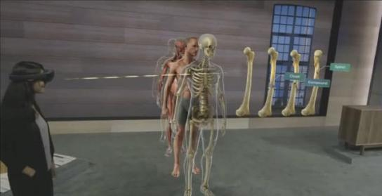 Microsoft shows HoloLens educational capabilities